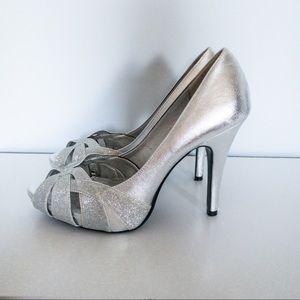 LuLu Townsend Silver Glitter Peep Toe Heels